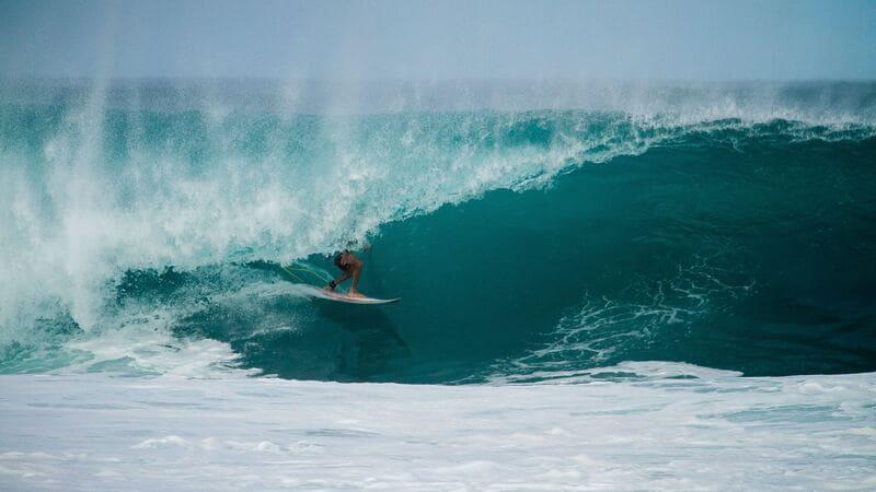 En Tamarindo encontrarás gente joven, fiesta y surf.
