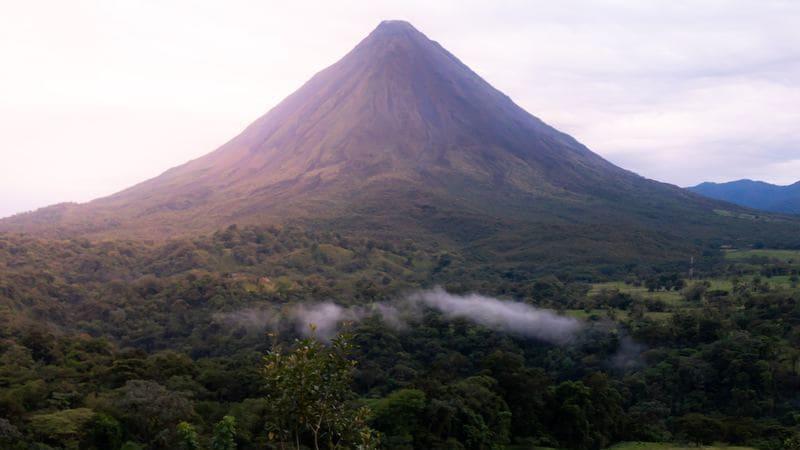 Volcan Arenal es uno de los parques nacionales más visitados.