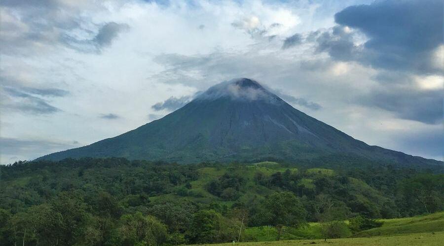 La Fortuna es uno de los lugares con más actividades de aventura y aguas termales en Costa Rica.