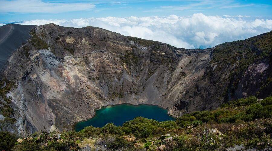 En el valle central de Costa Rica hay volcanes como el Irazú.