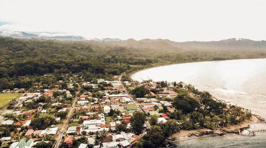 Puerto Viejo es un pueblo turístico situado en el Caribe de Costa Rica.