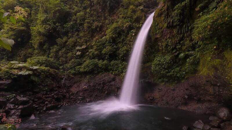 La catarata de La Paz es una de las más visitadas de Costa Rica.